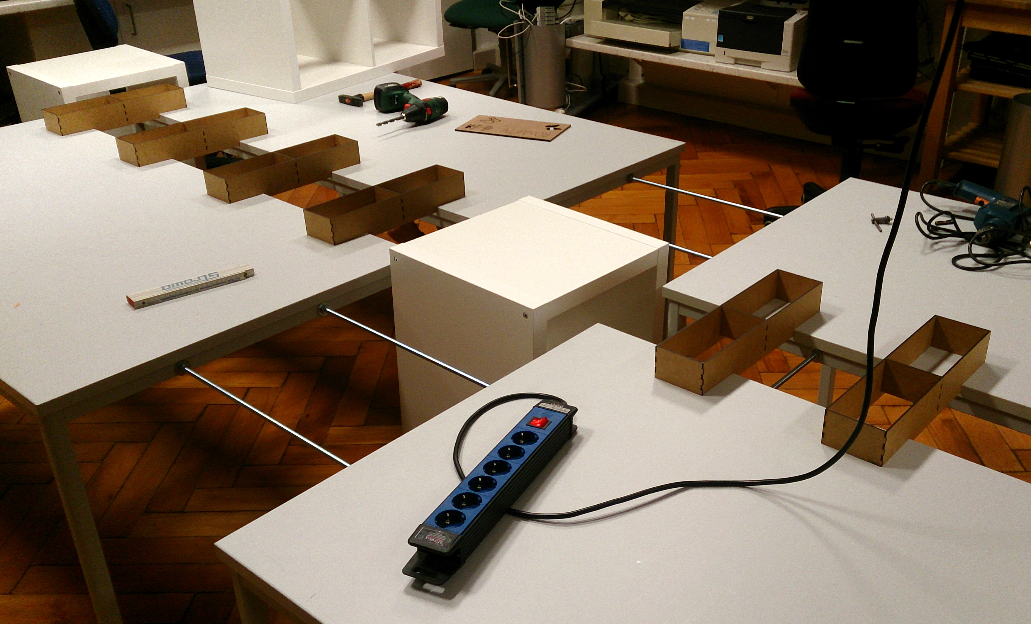 Tischverbindung