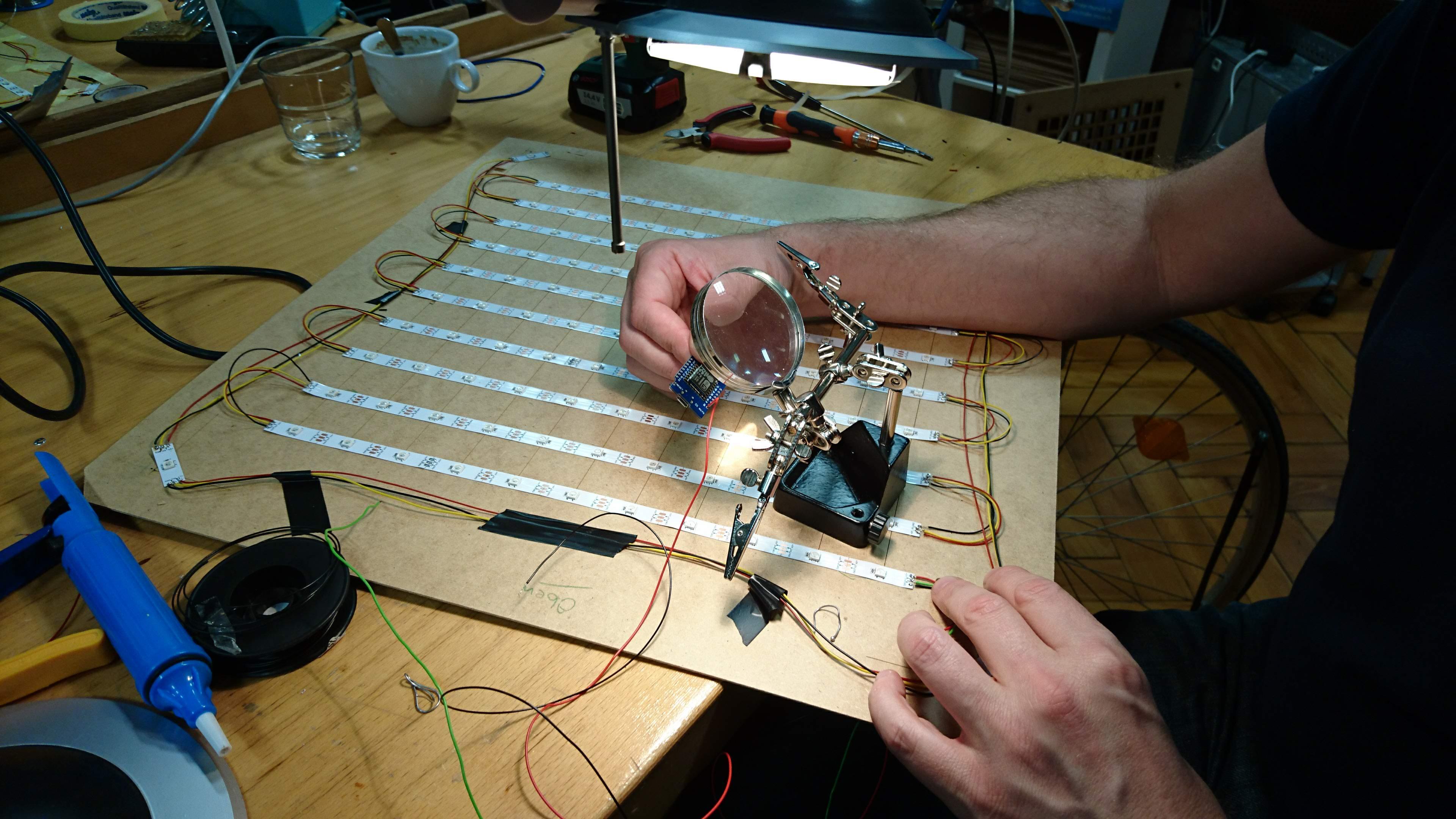 Verlöten der Streifen und des D1-Moduls